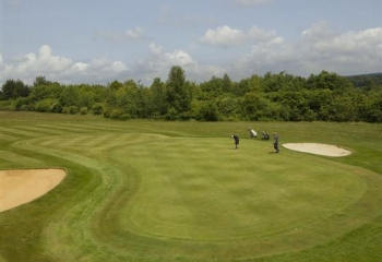 Brook-Course-Hole-No2-Green